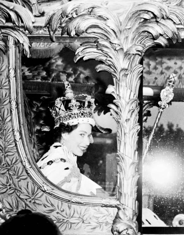 Queen Elizabeth Ii Carriage