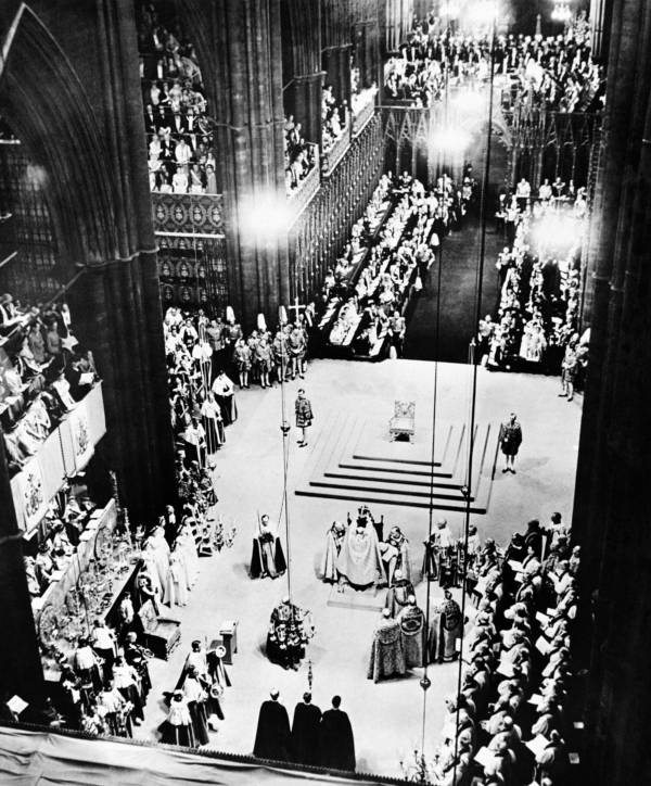 Queen Elizabeth Ii Coronation Wideview