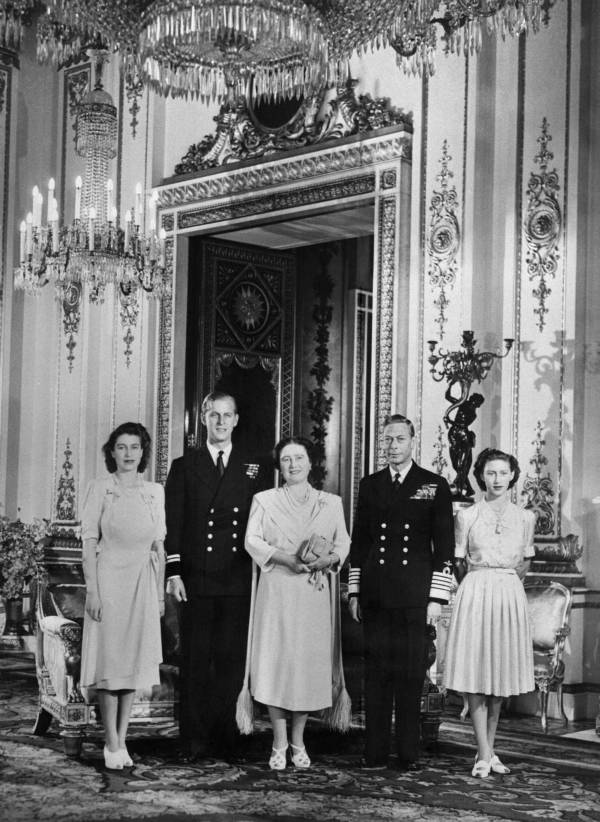 King George VI With His Family