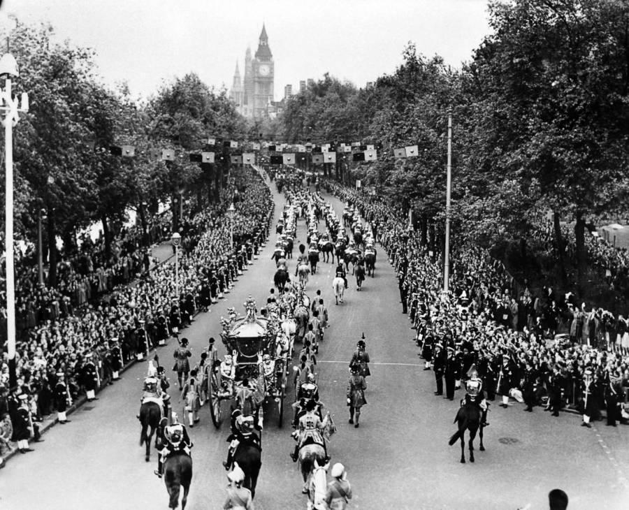 Queen Elizabeth Ii Procession