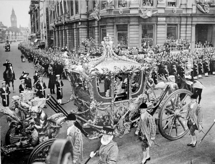 Queen Elizabeth Ii Royal Carriage
