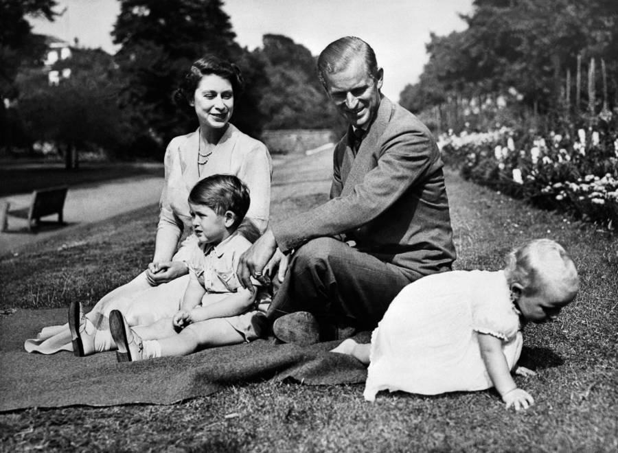 Queen Elizabeth Ii Toddler Crawling