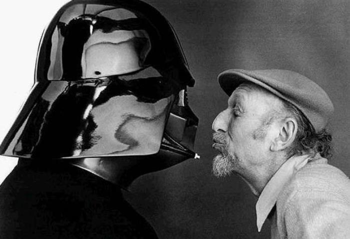 Kissing Darth Vader