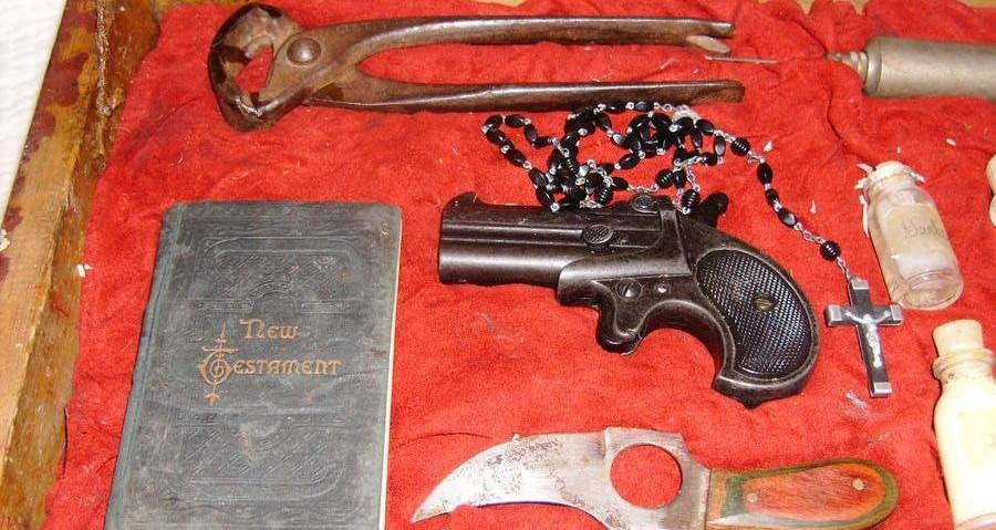 The Incredible Vampire Hunting Kit From The 1800 39 S
