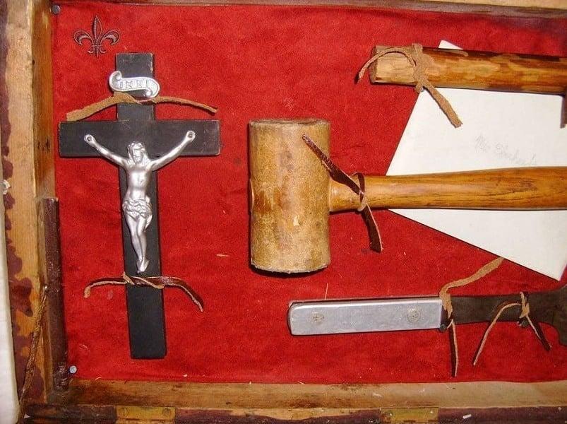 Vampire Kit Cross