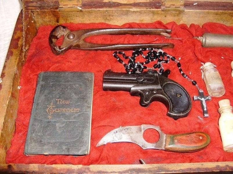 Vampire Kit Gun