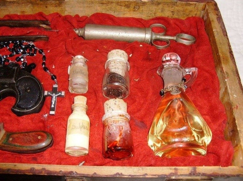 Vampire Kit Holy Water