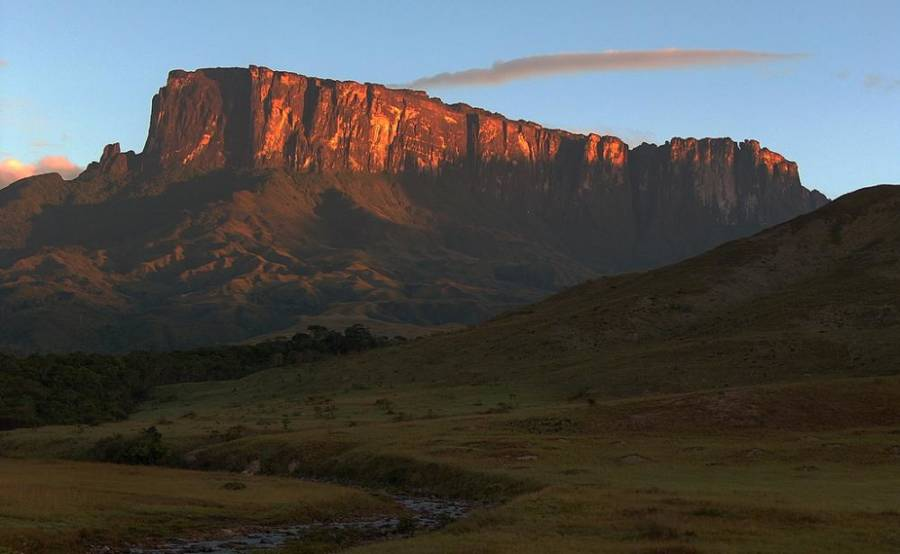 Light Shining On Roraima
