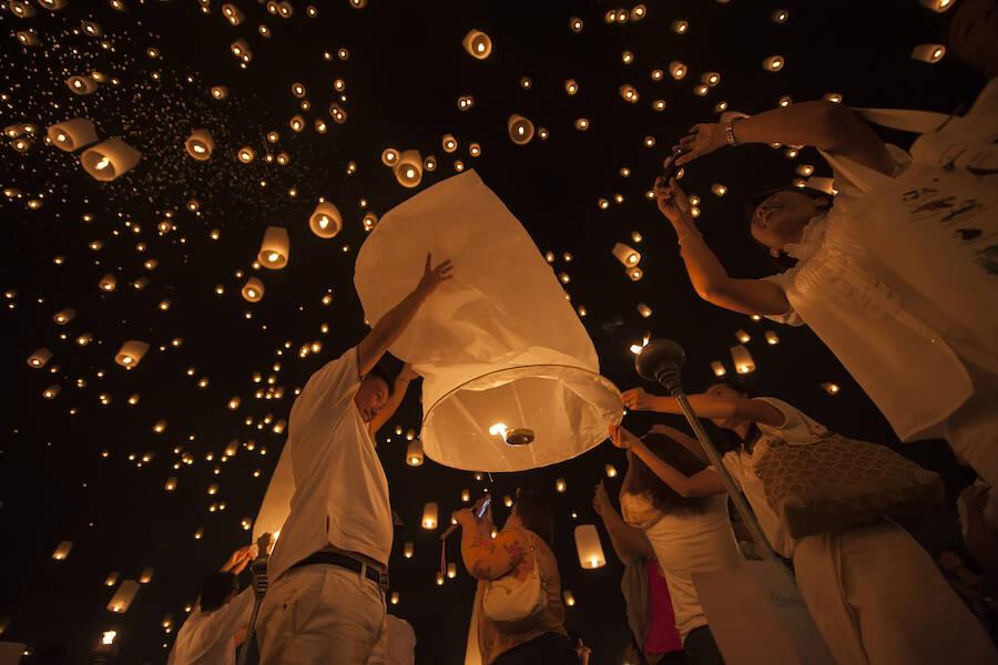Yi Peng Lanterns In Sky