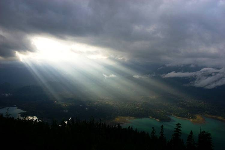 Most Beautiful Light Shows Crepuscular Rays