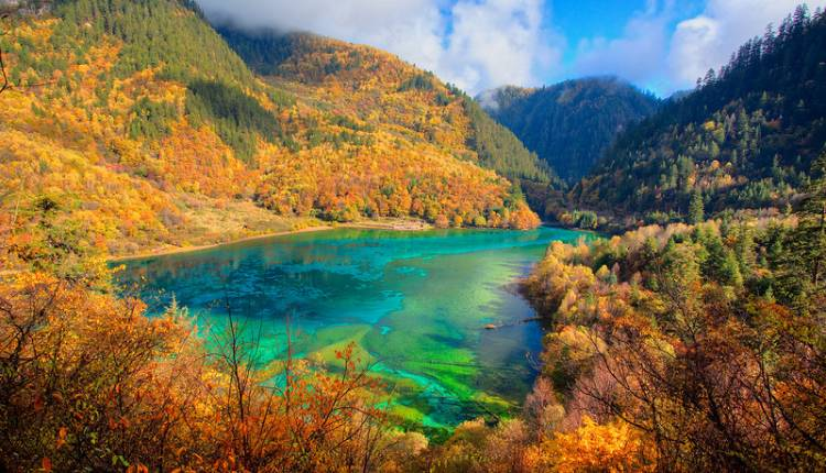 Beautiful Lakes Five-Flower Lake China width=