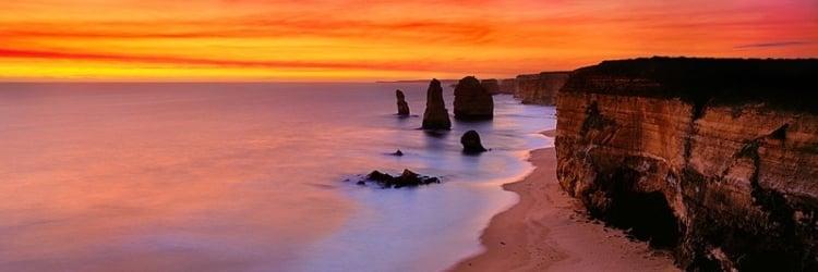 Incredible Rock Formations Dusk At 12 Apostles