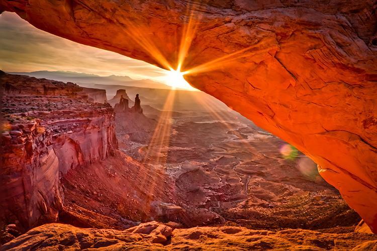 Sunrise At The Mesa Arch In Utah