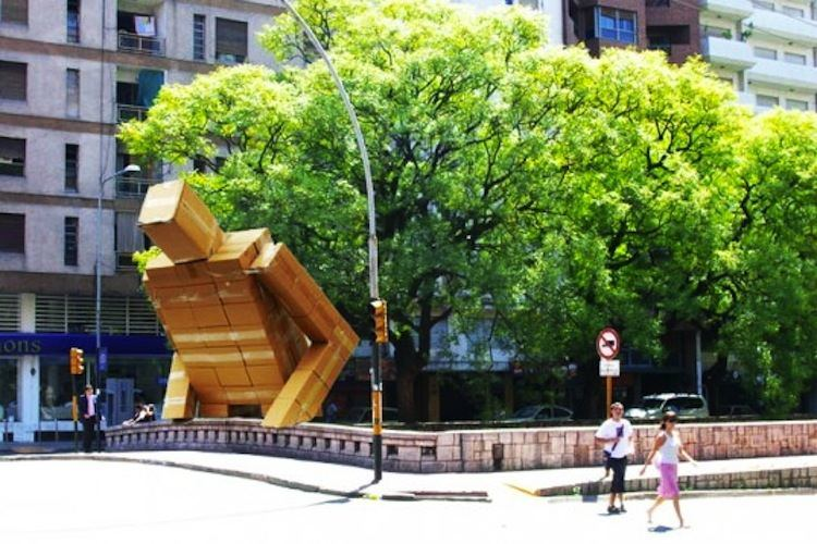 Installation Art Box Man 2