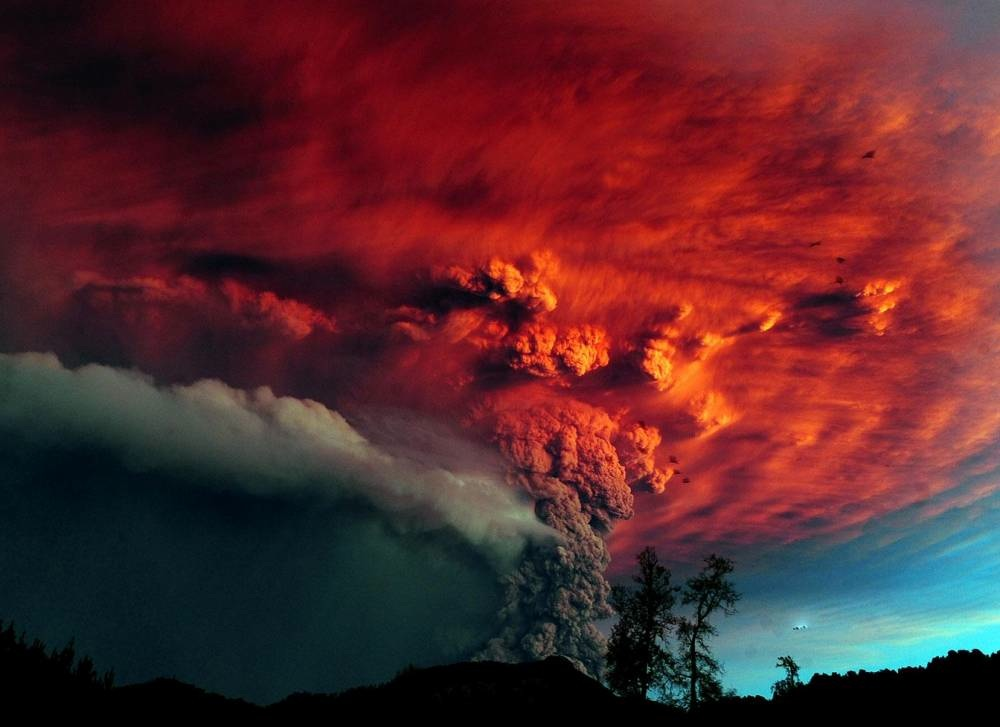 Capturing A Staggering Volcano Eruption In Chile