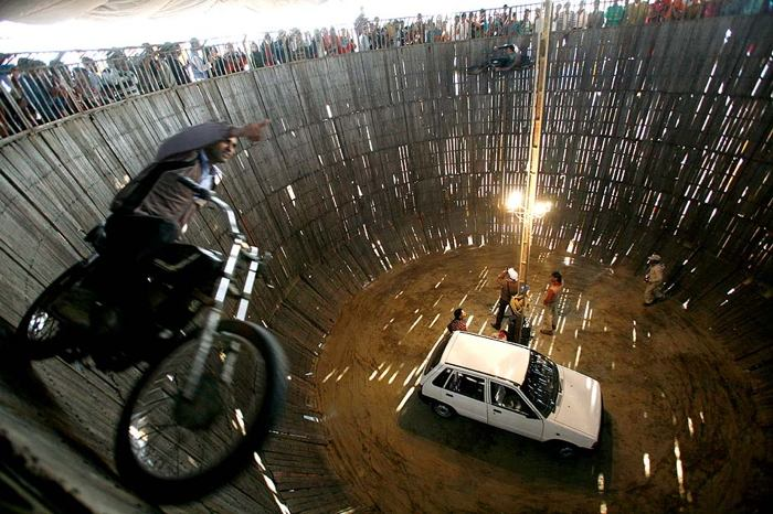 India Motorcycle Hamster Wheel Picture