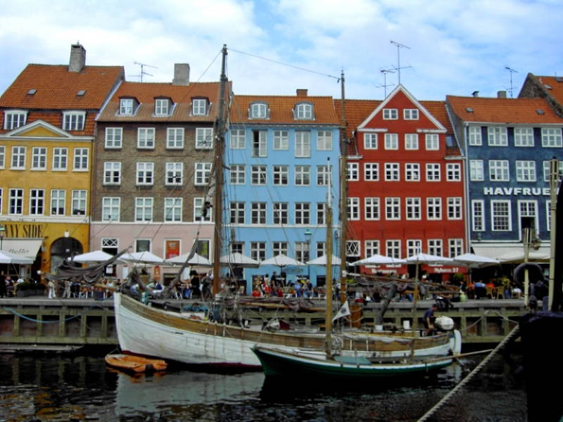 most-colorful-cities nyhavn 3