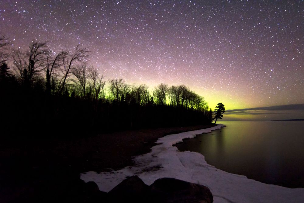 aurora lake michigan A Stunning Aurora Over Lake Michigan