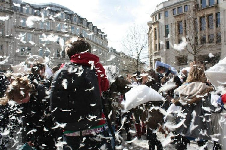 Biggest Parties Pillow Fight 3