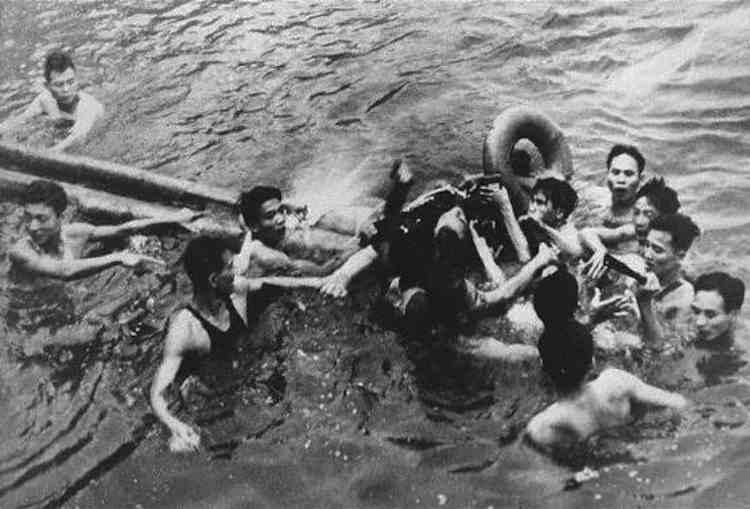 Amazing Survival Stories John McCain