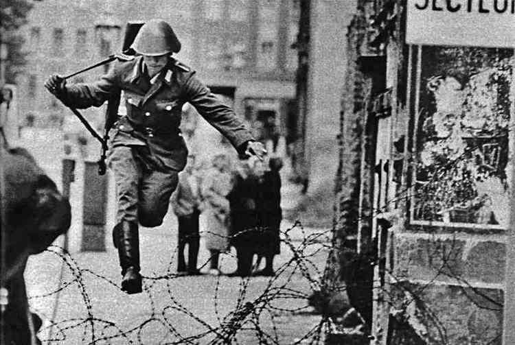 Ιστορία του τείχους του Βερολίνου Conrad Schumann