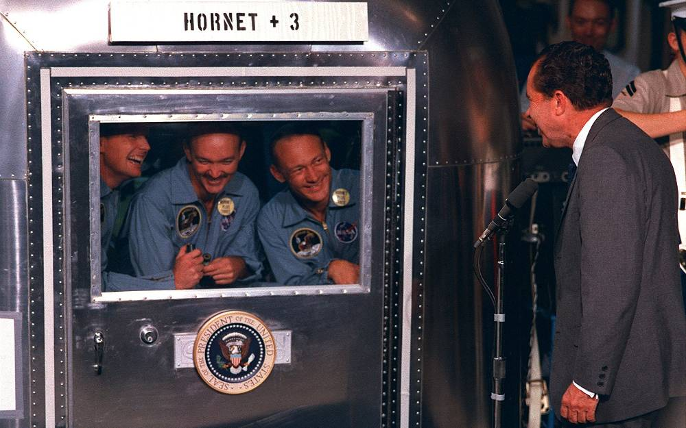 http://all-that-is-interesting.com/wordpress/wp-content/uploads/2012/06/apollo-11-quarantine-richard-nixon.jpg