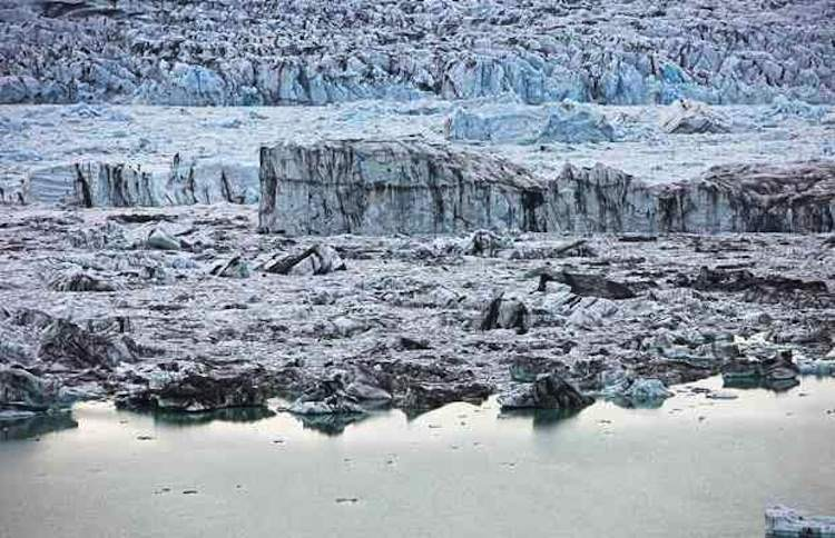 fairytale-places-in-iceland glacier2