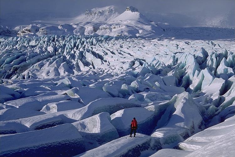 fairytale-places-in-iceland glacier3