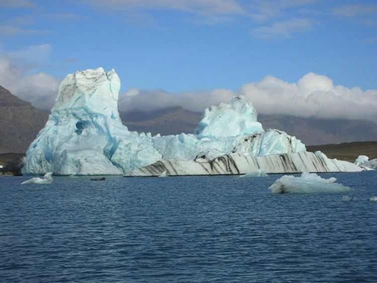 fairytale-places-in-iceland glacier4