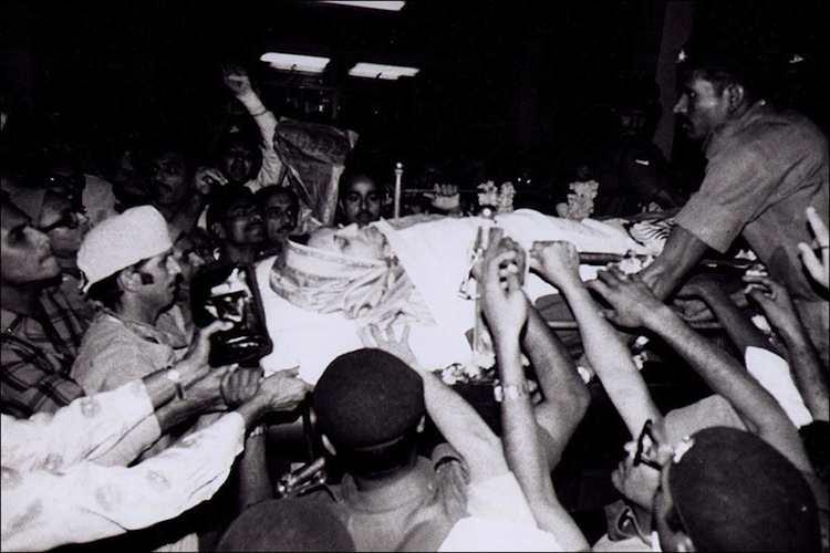 iconic-images-1980s-indira-gandhi-death