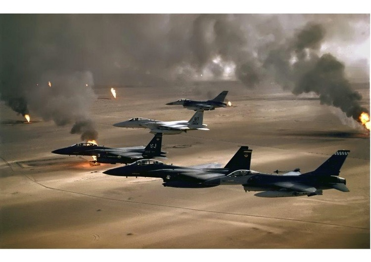 Iconic Images Of The 1990s Operation Desert Storm
