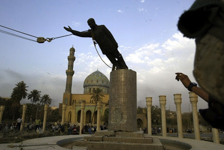 Toppling Statue Of Saddam Hussein