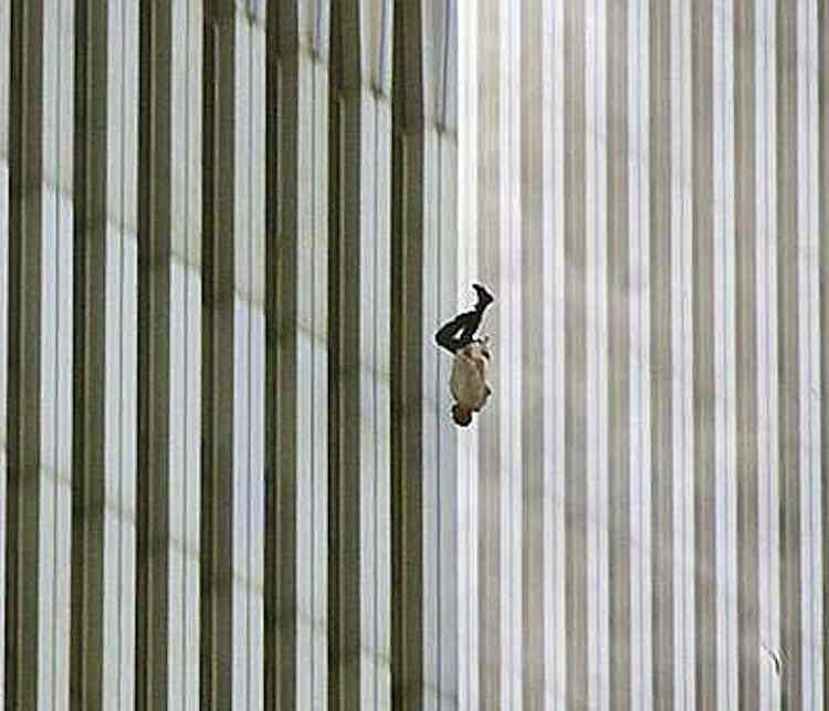 WTC Collapse Photograph