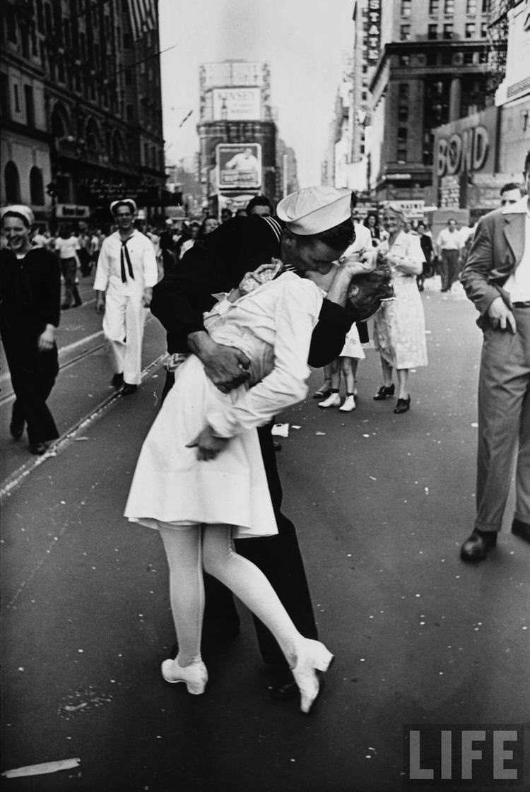 The Most Iconic Photos Of The 1940s VJ Day