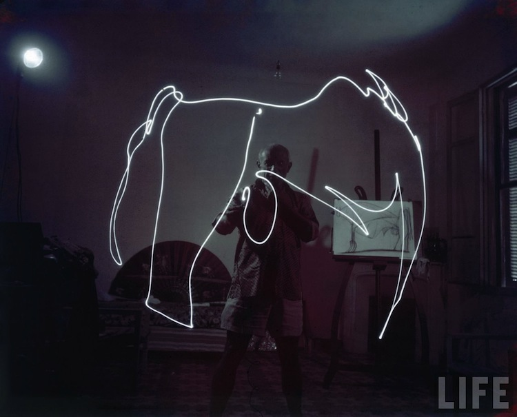 Light Painting Pablo Picasso