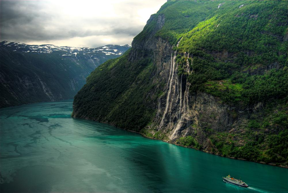 seven-sisters-waterfall-norway