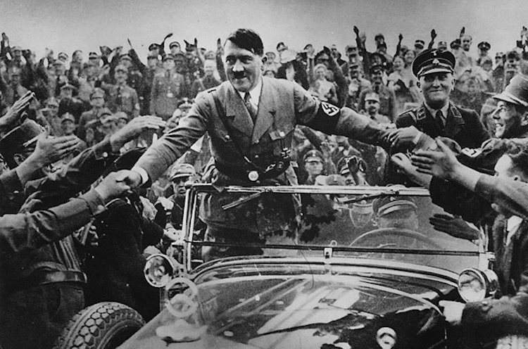 berlin-1930s-hitler-becomes-chancellor-1933