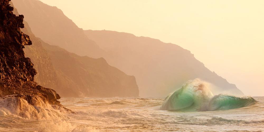 Kauai's Dazzling Dragon Wave