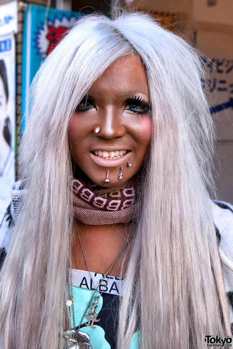 Ganguro Japan Street Fashion