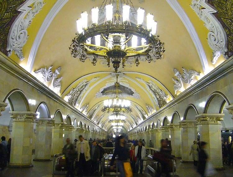 russia-architectural-marvels-komsomolskaya3