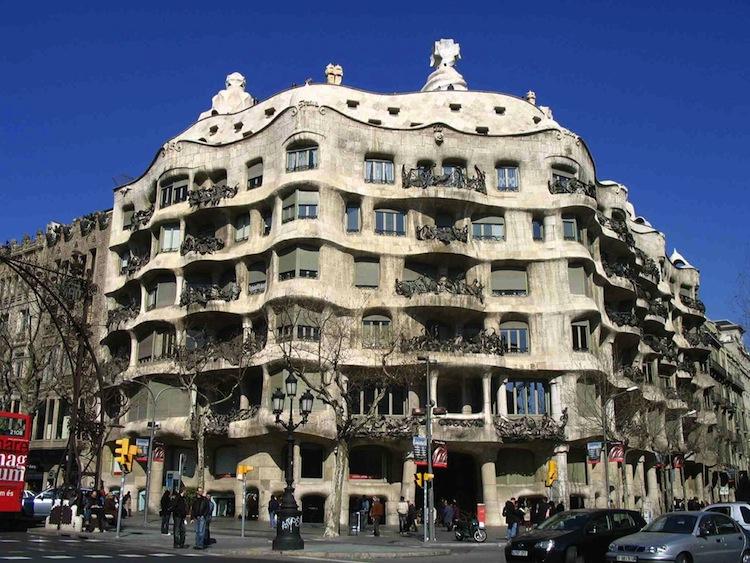 spain-architectural-marvels-casa-batllo