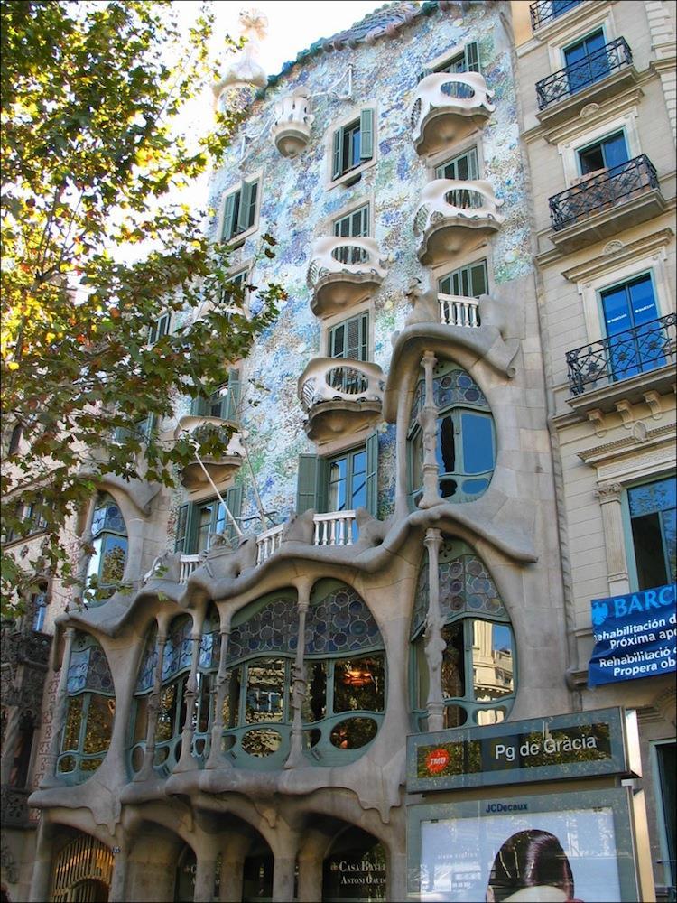spain-architectural-marvels-casa-batllo2