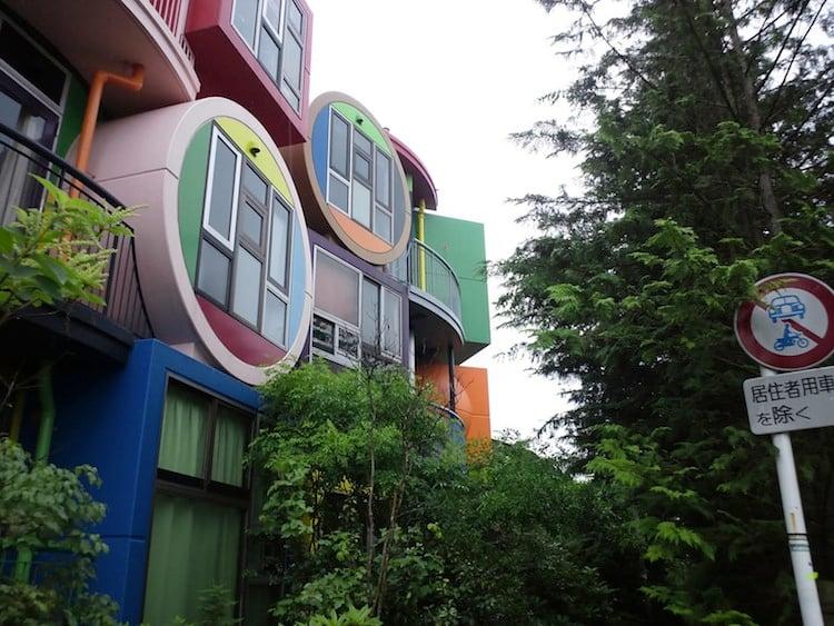 japan-architectural-marvels-reversible-lofts
