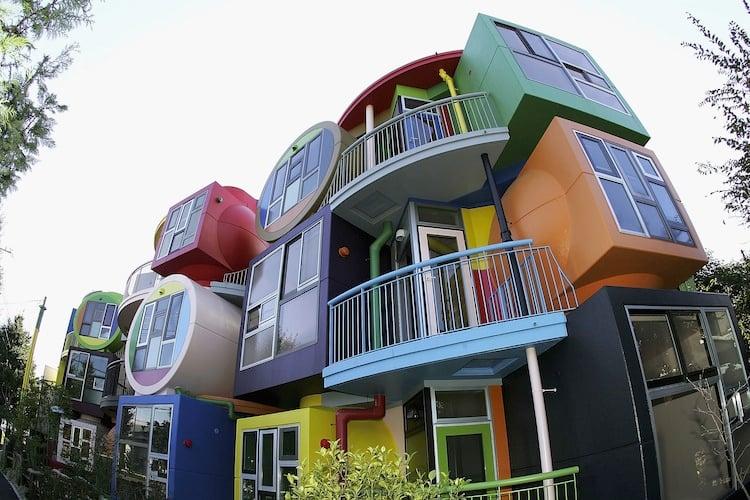 japan-architectural-marvels-reversible-lofts2