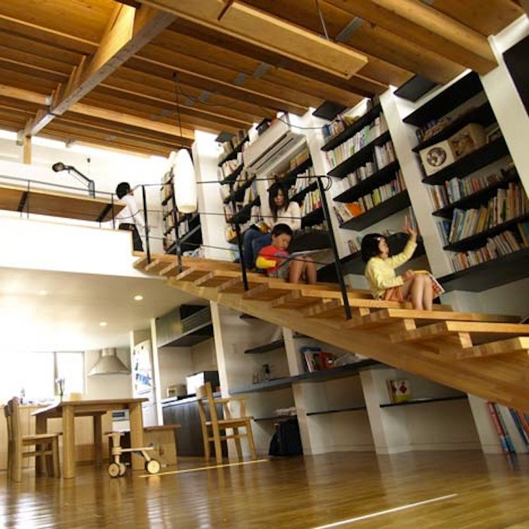 japan-architectural-marvels-stairs-house3