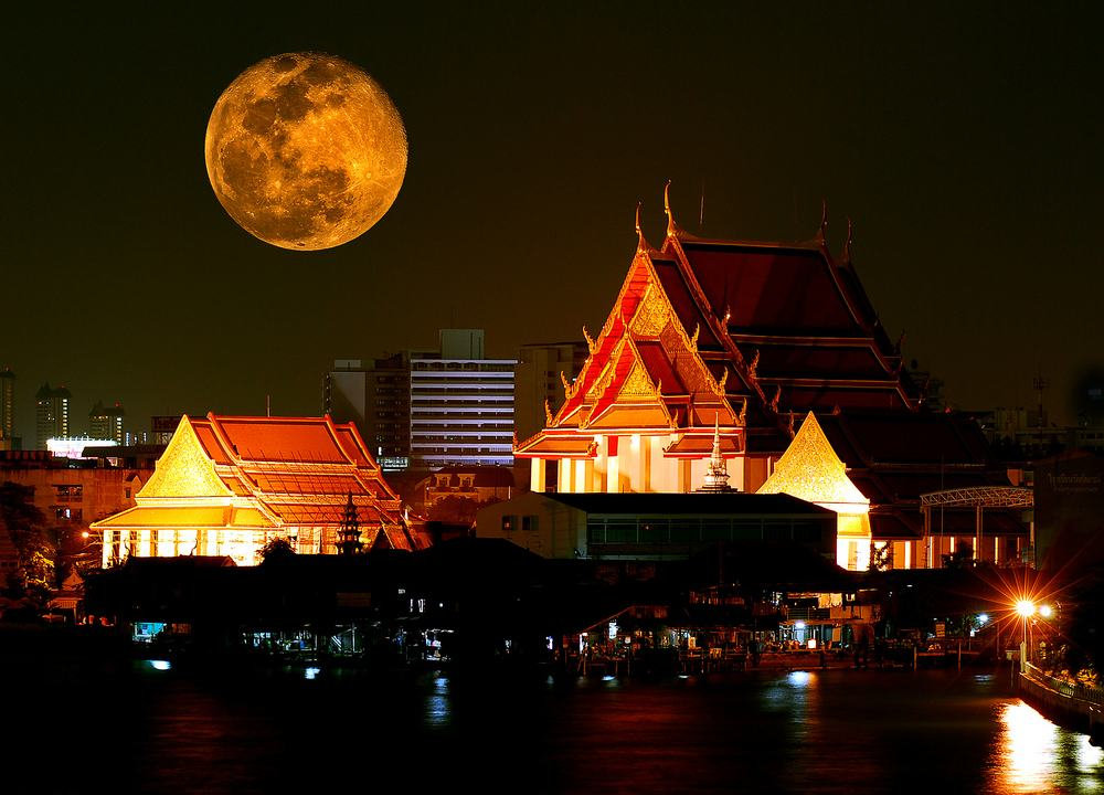 A Full Moon In Bangkok