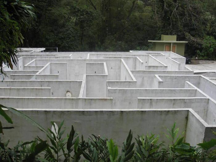 Las Pozas Maze