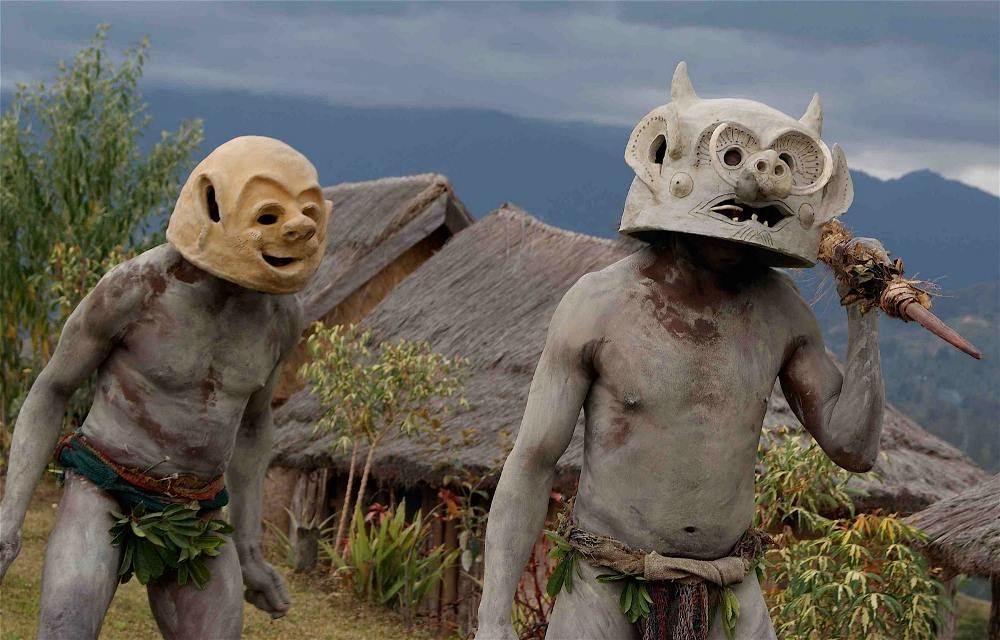 asaro mudmen A Meeting With The Asaro Mudmen