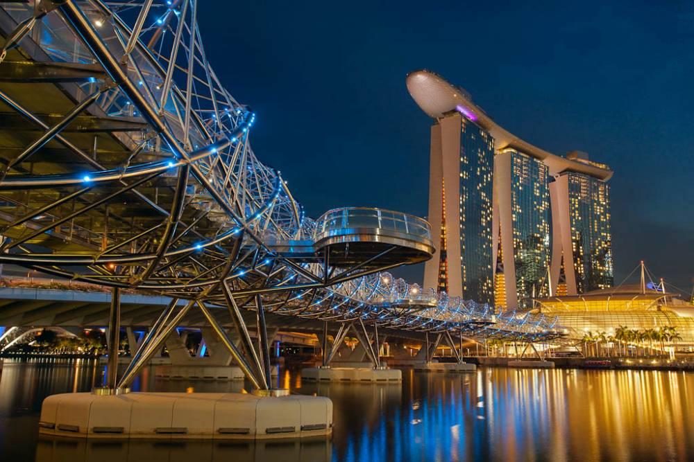 The Double Helix Bridge In Singapore