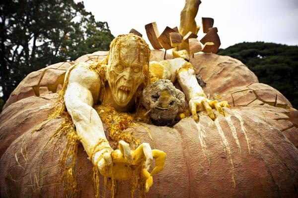 Jack-O-Lantern Crawling Zombies